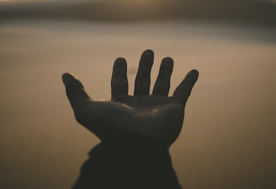 Medium hands